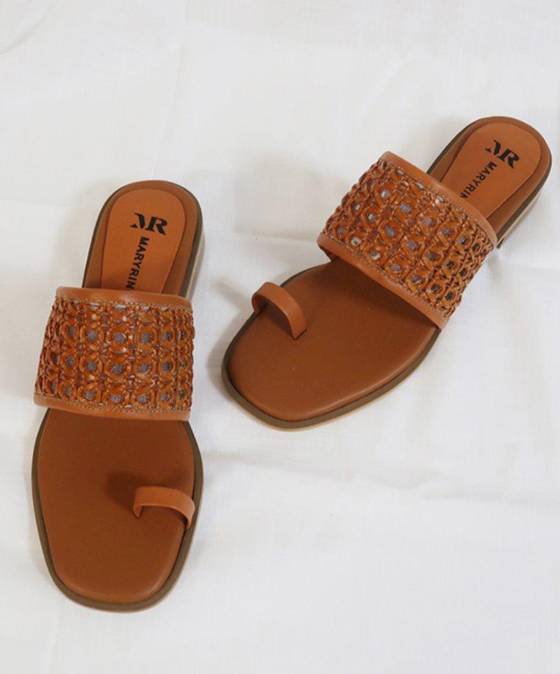 NO. Anne Mesh Brown Sandal